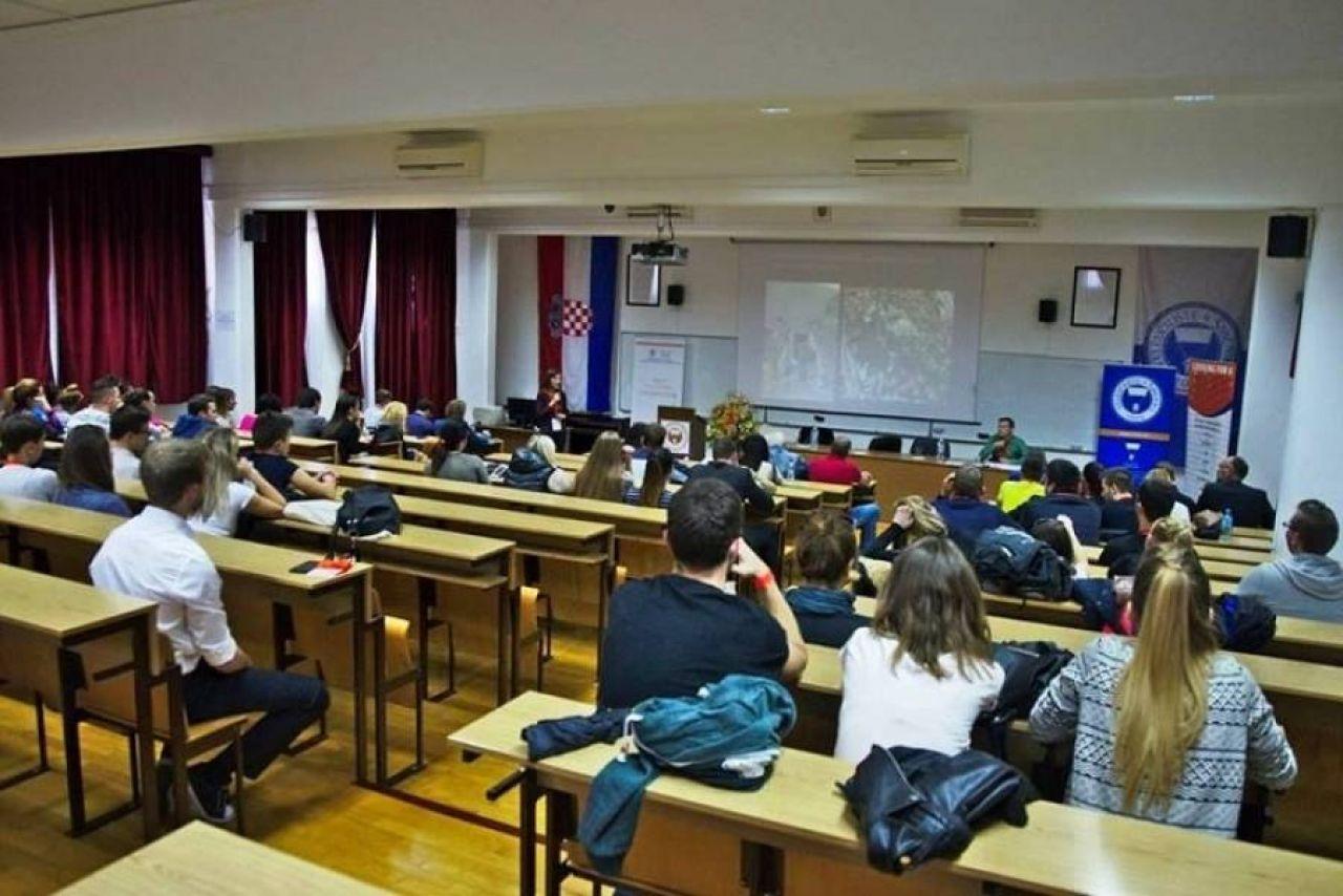 Dodatna konzultativna nastava za izvanredne studente