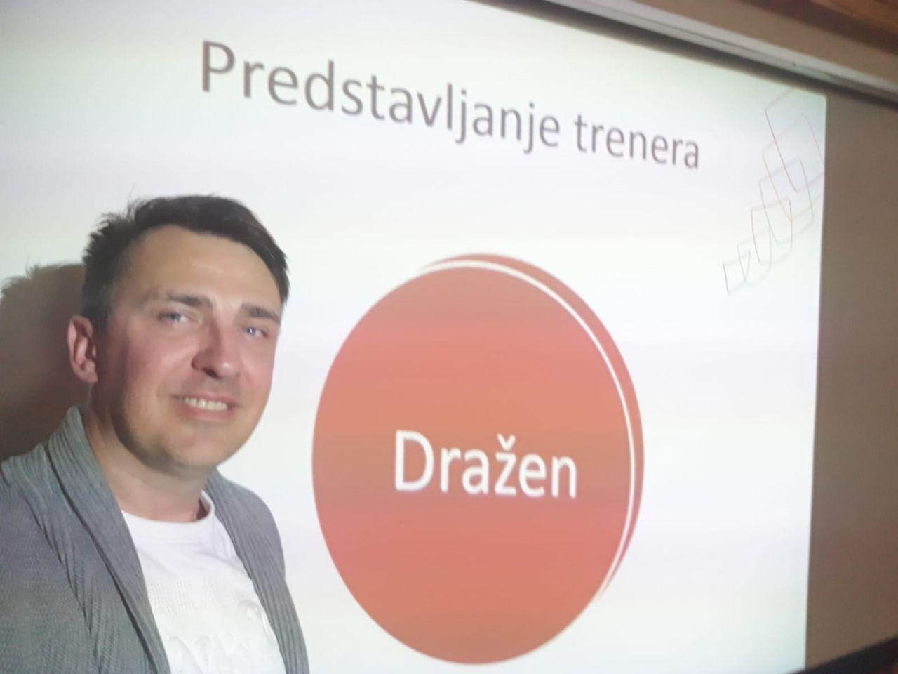 UPRAVLJANJE KOMUNIKACIJSKIM STILOM I PRILAGOĐAVANJE INTERAKCIJE S GOSTIMA - Dražen Trogrlić; gostujuće predavanje